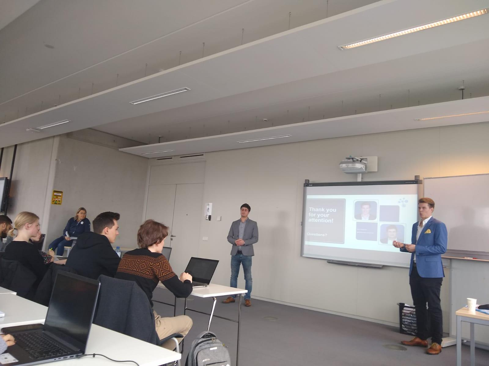 Presentatie SmartDocuments aan de IBS studenten van Saxion
